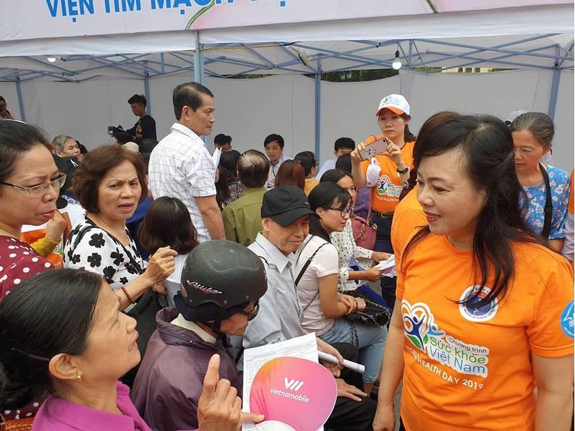 Hàng ngàn người dân được khám sức khỏe miễn phí nhân ngày Sức khỏe thế giới 4