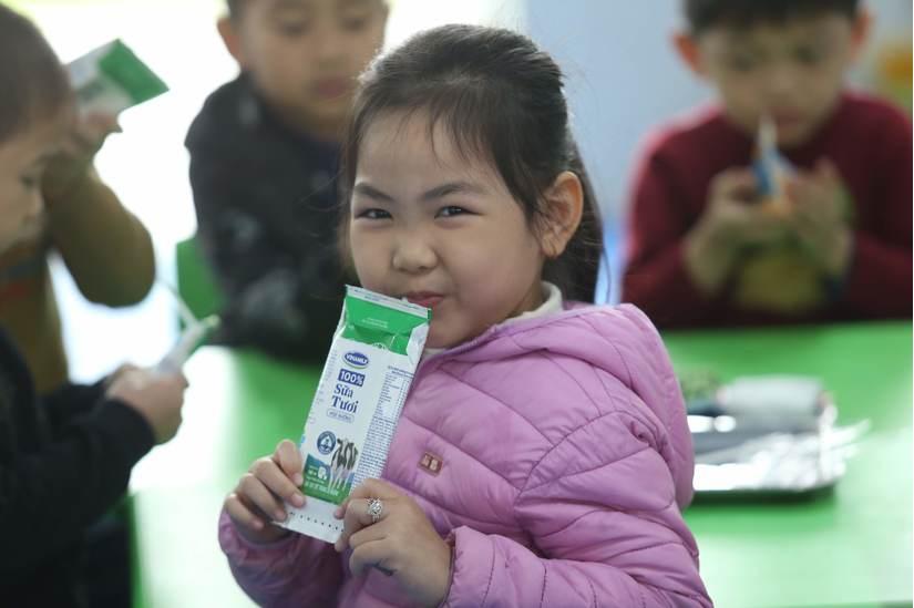 """Sữa học đường Hà Nội: """"Ấn tượng"""" những con số ban đầu"""