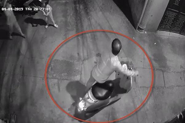 Bé gái bị dâm ô trong ngõ ở Thanh Xuân phải đi lánh nạn
