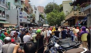 Hàng nghìn người đội nắng tiễn biệt nghệ sĩ Anh Vũ ở chùa Ấn Quang