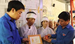 """Truy tặng huy hiệu """"Tuổi trẻ dũng cảm"""" cho thanh niên tử nạn khi cứu nạn 2 nữ sinh"""