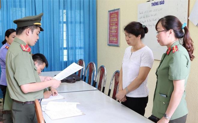 Lãnh đạo huyện có con được nâng điểm ở Sơn La: Con tôi đỗ đại học đàng hoàng