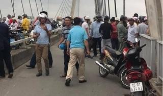 Hải Phòng: Để lại xe máy, cô gái nhảy sông Cấm tự tử