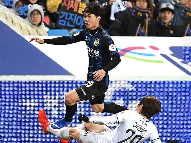 Tiền đạo Công Phượng được đội trưởng CLB Incheon ngợi khen