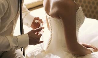 Đêm tân hôn vợ ôm mặt khóc nức nở và tiết lộ sự thật khiến tôi choáng váng