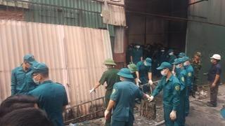 Cháy 4 nhà xưởng rộng 1.000 m2 ở Hà Nội, 8 người chết và mất tích