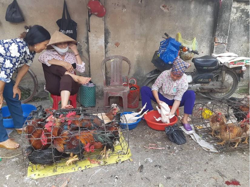 Người phụ nữ Ninh Bình gây xúc động khi tranh thủ đi đăng ký hiến tạng 3