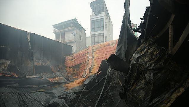 Nguyên nhân vụ cháy 4 nhà xưởng ở Hà Nội khiến 8 người tử vong