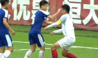 CĐV Trung Quốc phẫn nộ vì cầu thủ U17 Hà Nội đấm rách mắt Zheng Haokun