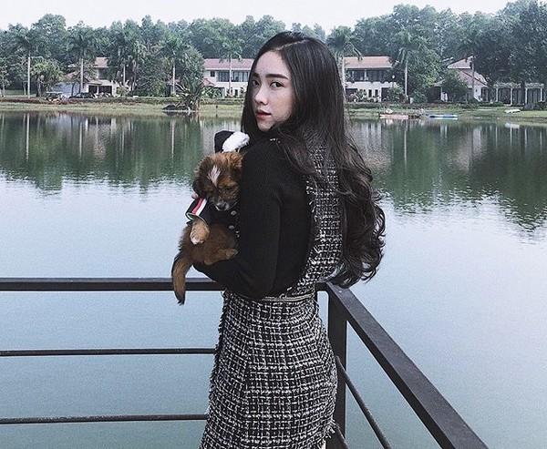 Hà Đức Chinh lần đầu tiên khoe ảnh bạn gái hotgirl