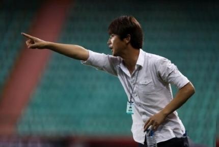 Thầy mới của Công Phượng tại Incheon United thay thế HLV Jorn Andersen là trợ lý Lim Joong-yong