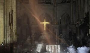 Điều kỳ diệu gây bất ngờ sau vụ hỏa hoạn Nhà thờ Đức Bà Paris