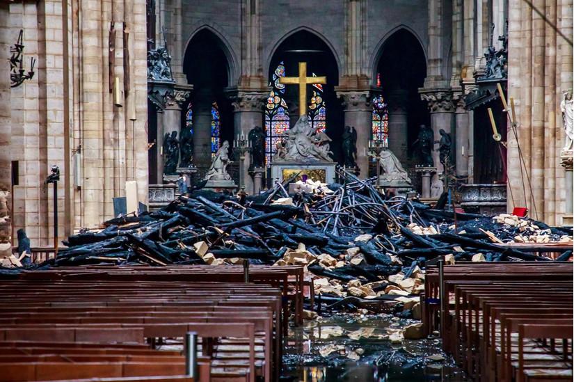 Nửa tỷ USD đã được quyên góp để xây dựng lại Nhà thờ Đức Bà Paris sau hỏa hoạn