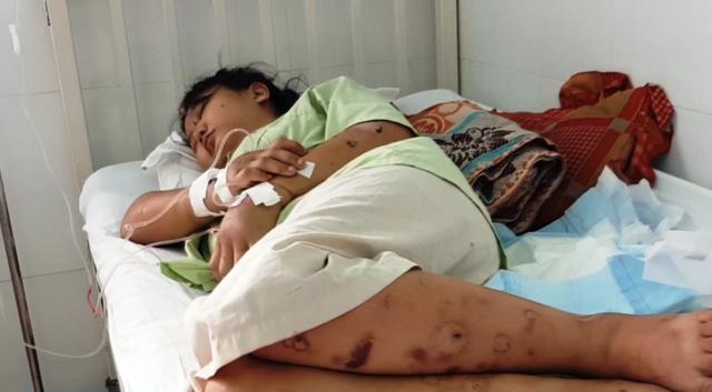 Vì sao giam cầm, tra tấn bà bầu đến sảy thai 20 ngày mà không ai biết?