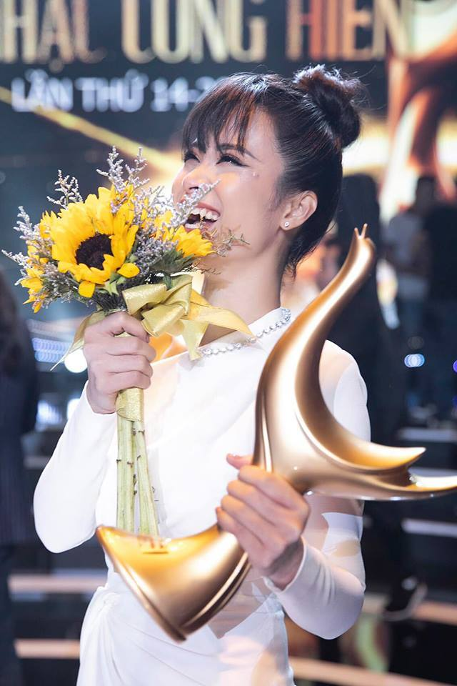 Lệ Quyên lên tiếng về phát ngôn 'đá đểu' Đông Nhi giành được giải 'Ca sĩ của năm'