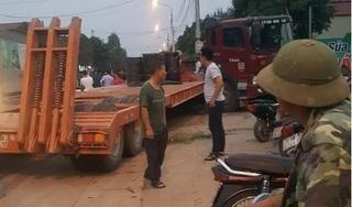 Sơn La: Xe máy va chạm với xe đầu kéo, 2 người thương vong