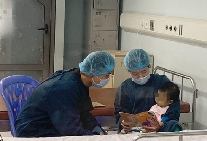 Ca ghép gan cho bệnh nhi nhỏ tuổi nhất Việt Nam được thực hiện thành công 2