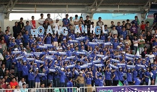 Phản ứng bất ngờ của CĐV HAGL khi HLV Dương Minh Ninh từ chức