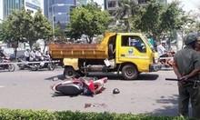 Tin tức TNGT ngày 24/4/2019: Lọt gầm xe tải, thanh niên bị cán tử vong