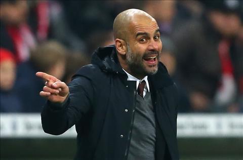 HLV Guardiola mỉa mai trận thua của M.U