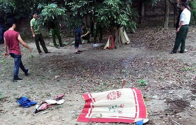 Hiện trường phát hiện thi thể cháu bé 7 tuổi. Ảnh Dân Trí.
