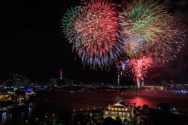 Tối nay 30/4, cấm xe nhiều tuyến đường tại TP. Hồ Chí Minh để phục vụ bắn pháo hoa