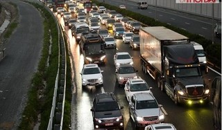 Xe cộ ùn tắc kéo dài 5km trên cao tốc Pháp Vân – Cầu Giẽ sau nghỉ lễ 30/4