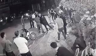 Thanh Hoá: 'Tranh giành' bạn gái giữa đường, một thanh niên bị đâm tử vong