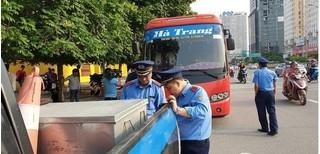 Kinh hãi xe khách 29 chỗ biển Nam Định nhồi nhét 73 hành khách