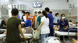 Đá bóng dưới trời nắng nóng, nam bác sĩ ở Hà Nội đột tử thương tâm
