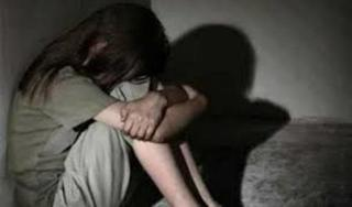 Gã hàng xóm nhiều lầm hãm hiếp bé gái 11 tuổi chậm phát triển trí tuệ