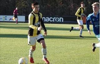 Hậu vệ Việt kiều được HLV Park Hang Seo 'ngắm' cho U23 Việt Nam là ai?