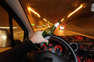 Những hình phạt cực nghiêm khắc ở nước ngoài đối với lái xe say rượu gây tai nạn