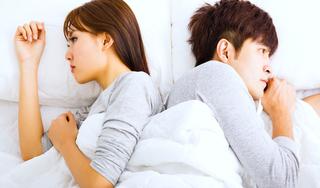 Ức chế với người chồng câm lặng, khi yêu cũng cắn chặt răng, 'hoạt động' trong lặng lẽ