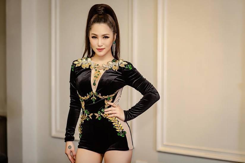 Hương Tràm bất ngờ tuyên bố tạm ngừng sự nghiệp ca hát