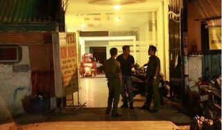 Án mạng trong khách sạn, thanh niên nghi đâm bạn gái tử vong rồi tự sát
