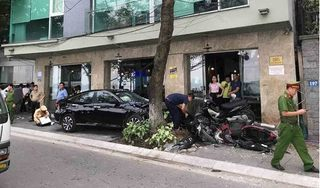 Tin tức tai nạn giao thông ngày 7/5/2019: Va chạm với ô tô, đôi vợ chồng tử vong thương tâm