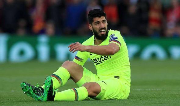 Luis Suarez xấu hổ khi Barcelona bị Liverpool loại khỏi Champions League