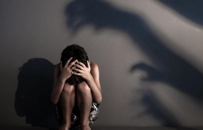 Vợ nhí xin giảm nhẹ hình phạt sau khi tố người chồng chung sống suốt 5 năm hiếp dâm