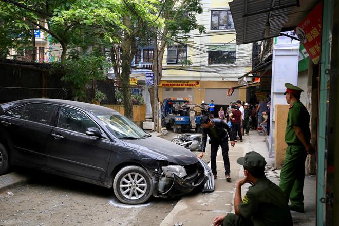 Nhân chứng hãi hùng kể giây phút thoát chết vụ nữ tài xế lùi Camry gây tai nạn