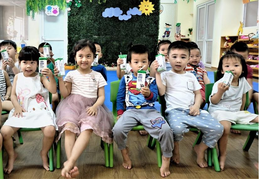 Lợi ích kép của chương trình sữa học đường Hà Nội 4