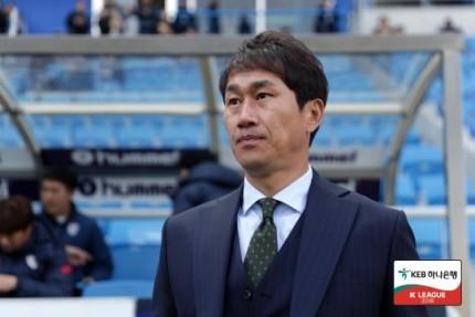 Incheon United bất ngờ ký hợp đồng với HLV HLV Yoo Sang-chul