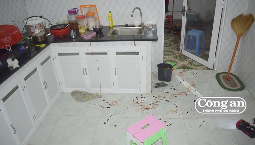 Hé lộ nguyên nhân vụ vợ chồng giáo viên về hưu tử vong trên vũng máu gây chấn động