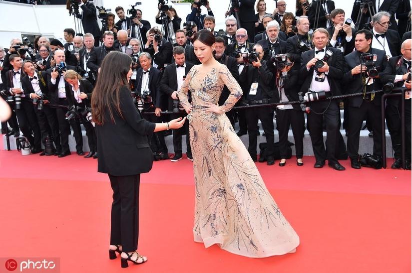 Mỹ nhân Hoa ngữ bị đuổi khỏi thảm đỏ Cannes hoá ra người hầu của Cao Quý Phi trong 'Diên hi công lược'