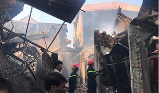 Hiện trường vụ cháy 8 xưởng gỗ, thiệt hại hàng chục tỷ ở Thạch Thất, Hà Nội