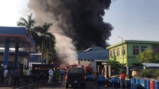 Cháy lớn tại xưởng chứa đồ nhựa Hải Phòng, cách cây xăng chỉ 200m
