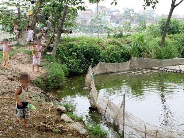Sơn La: Bị điện giật khi tắm ao, bốn học sinh thương vong