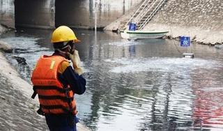 Sông Tô Lịch thay đổi bất ngờ sau 4 ngày lắp đặt máy lọc Nhật Bản