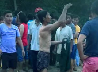 Ra sông tắm rơi xuống hố nước sâu, 4 học sinh chết đuối thương tâm