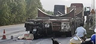 Tin tức TNGT ngày 21/5/2019: Lao vào xe khách, thanh niên tử vong tại chỗ